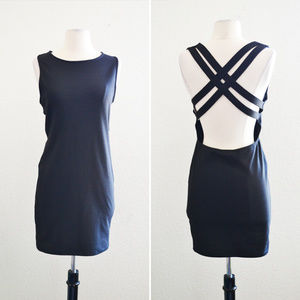 Dresses & Skirts - Black Double Band Criss Cross Dress Size Large